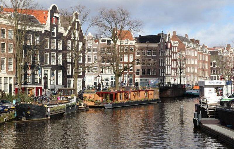 Jak uzyskać Kinderbijslag? Holandia i jej zasiłek rodzinny